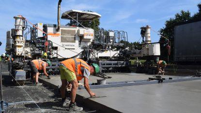 Werken voor spitsstroken en renovatie van wegdek E313 in Beringen zo goed als afgerond