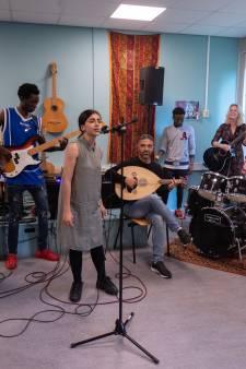 AZC Band Dronten wil van elk optreden een feestje maken