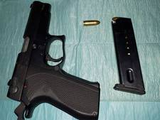 Aanhouding voor vuurwapen in auto op A1