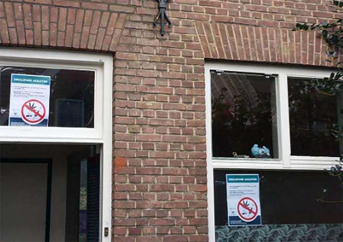 De afgesloten woning in de Nicolaes Honighstraat in Vlissingen.