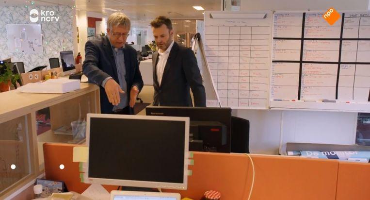 Directeur van het Center for Buildings and People Wim Pullen (links) moet helemaal niets hebben van de oranje tussenschotjes op de redactie van De monitor. Beeld De monitor
