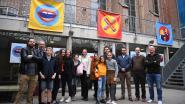 De reden achter de mysterieuze symbolen in kleurrijke bollen: stad Leuven maakt pesten bespreekbaar