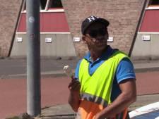 Hoe is het om te werken in de brandende zon op de heetste dag van het jaar? 'Gelukkig is er een ijscoman'