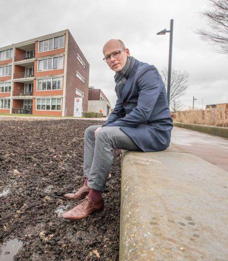 Overbodige tegels maken plaats voor groen in Reimerswaal, gemeente hoopt dat goed voorbeeld doet volgen
