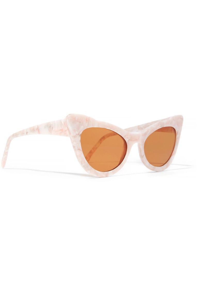 'Cat eye' zonnebril van Ganni via Net-a-porter, € 210 Beeld packshot