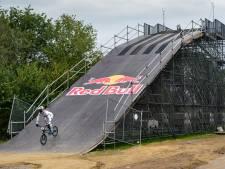 Klein Tokio in Ammerzoden: Twan van Gendt bouwde zijn eigen replica van de Olympische BMX-baan