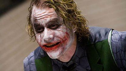 """'Batman' Christian Bale onthult: """"Heath Ledger wilde niet dat ik deed alsof, alle klappen die werden uitgedeeld waren écht"""""""