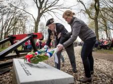 Markeloër Gert Jan Oplaat brengt laatste eer aan oorlogsveteraan Frank Graham