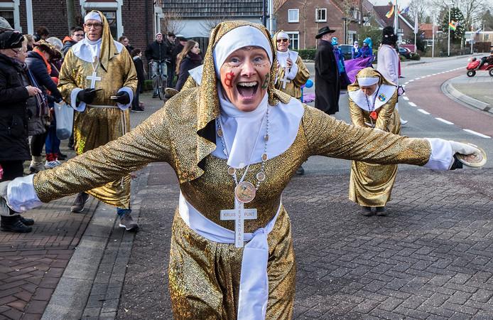 Carnavalsoptocht in Ottersum.