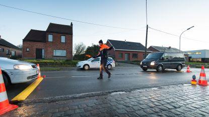 Politie haalt niet gekeurde aanhangwagen uit verkeer
