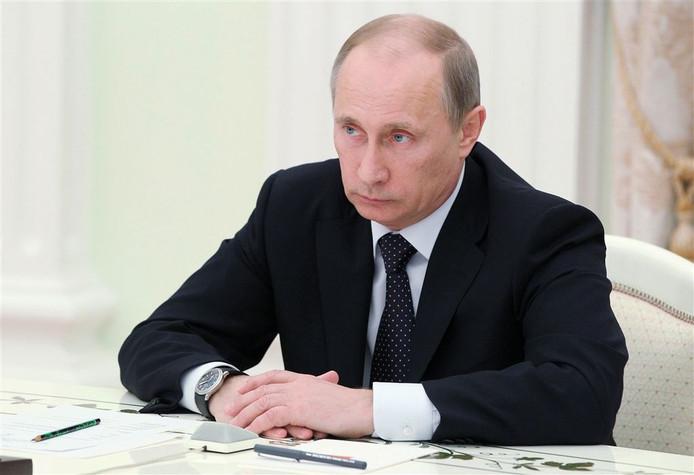 De Russische leider Vladimir Poetin investeert miljarden in wapens.