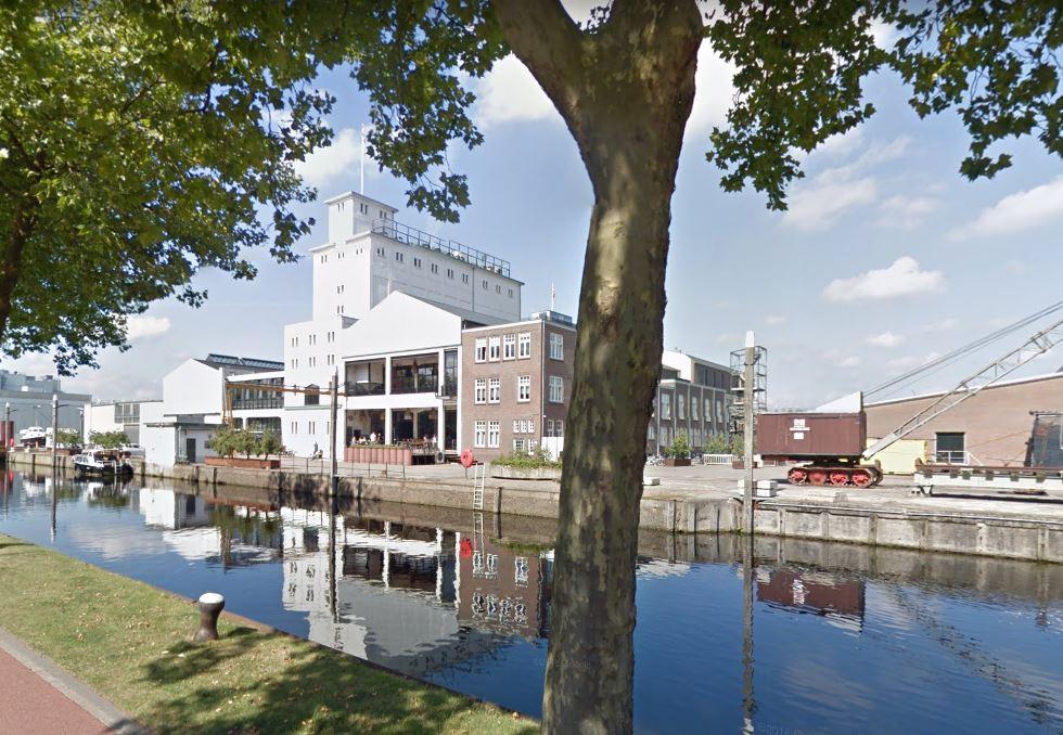 De Noordkade in Veghel met het oudste CHV-gebouw als centraal punt.