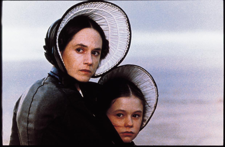 Holly Hunter en Anna Paquin als moeder en dochter in 'The Piano'. Beeld Eye Filmmuseum