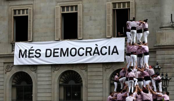 Spaanse regering neemt gezag over Catalaanse politie over