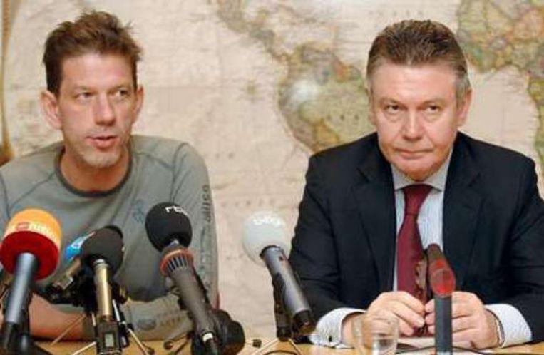 Chris Dusauchoit en Karel De Gucht trokken naar Bulgarije en kaartten het probleem aan.