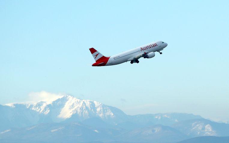 De maatregelen zijn een uitvloeisel van de financiële steun die de Oostenrijkse regering heeft uitgetrokken voor Austrian Airlines. Beeld REUTERS