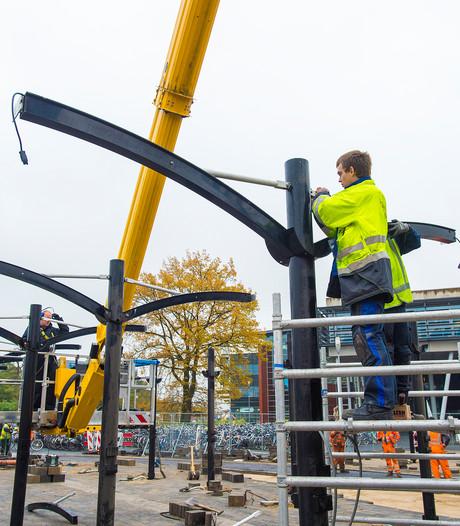 Nieuwe fietsenstalling bij station Apeldoorn krijgt langzaam vorm