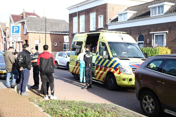 De ambulance heeft het jongetje naar het ziekenhuis vervoerd.