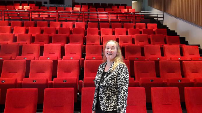 Algemeen manager Sylvia Rutten in de nieuwe podiumzaal van Schijndel in 't Spectrum. Zij heeft 't Spectrum alweer verlaten.