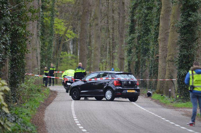 Politie onderzoekt in 2017 een oorzaak van een dodelijk ongeval met een motorrijder op de Markeloseweg.