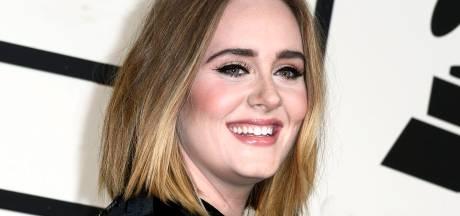 Adele onder vuur om Afrikaanse haardracht