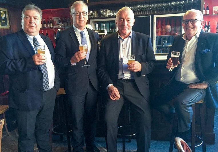 Organisator Guido Thiry, burgemeester Marnic De Meulemeester, Paul Van Himst en kaasmeester Michel Van Tricht kijken alvast uit naar de eerste Oudenaardse editie van Lekker Genieten.