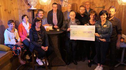 Smultoer Burgersgilde levert 2.400 euro op voor vzw Het Ventiel