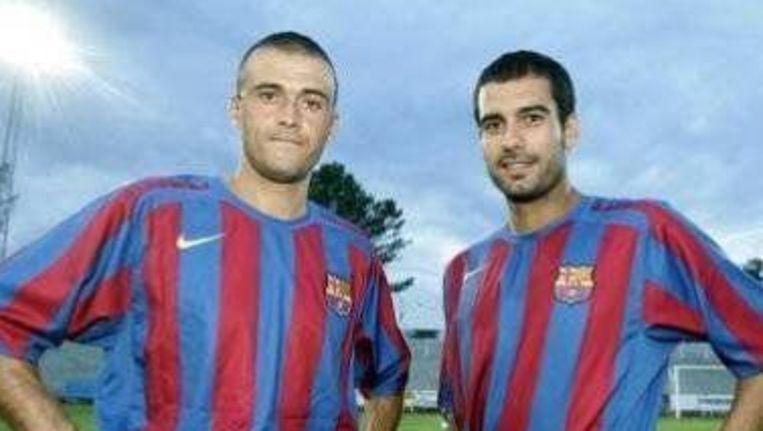 Luis Enrique (links) en Josep Guardiola (rechts) vertegenwoordigen hier samen FC Barcelona. Beeld Frank Schall