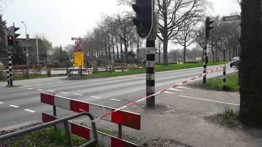Het oversteekpunt is afgesloten voor verkeer.