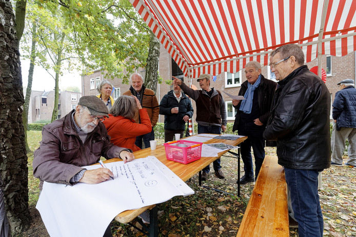 Processiepark Boxtel: bewoners smeden plannen om parkje op te knappen