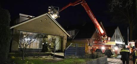 Brandweer in actie voor schoorsteenbrand Vriezenveen