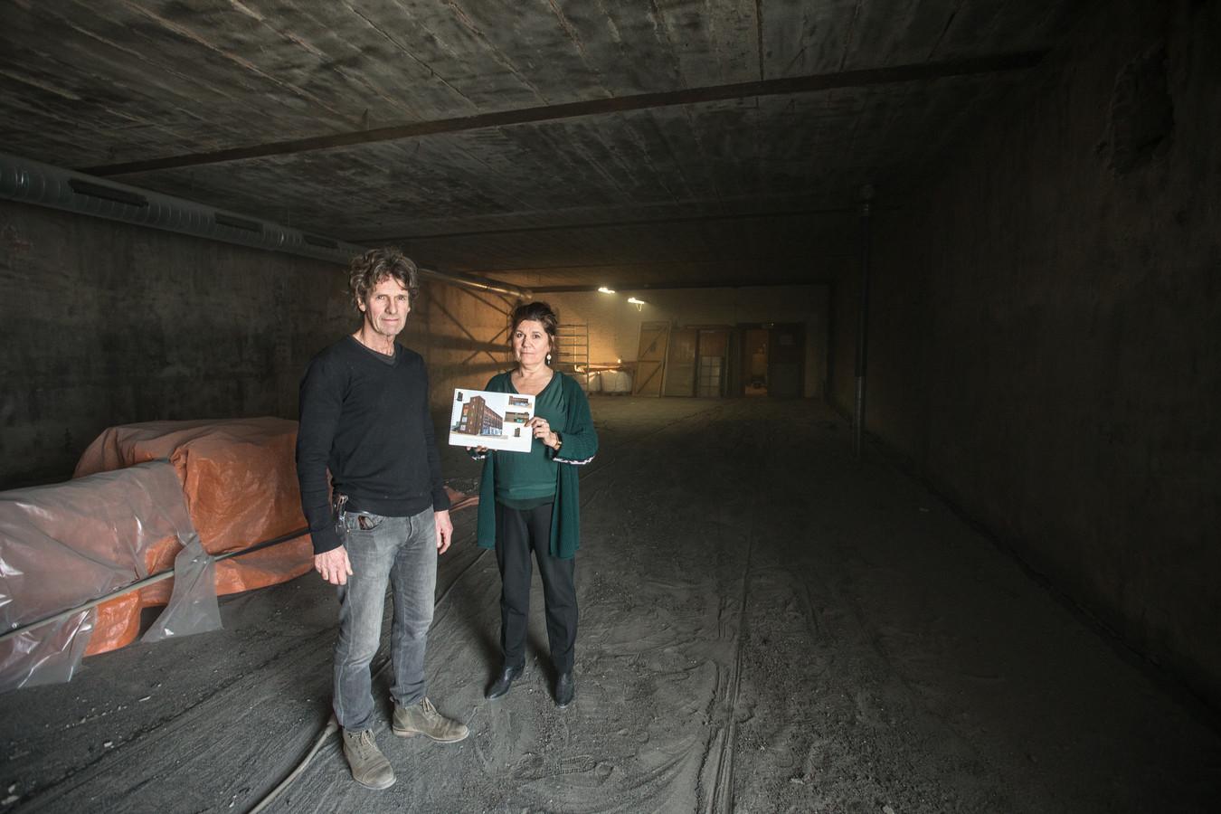 Koelhuis-eigenaren Bert Hoogeveen en Mieke van Tilburg op de derde verdieping, die in het voorjaar van 2019 werd gerenoveerd.