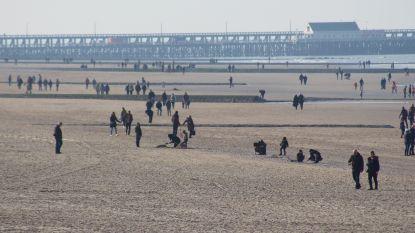 Man (48) sterft tijdens wandeling op strand van Knokke