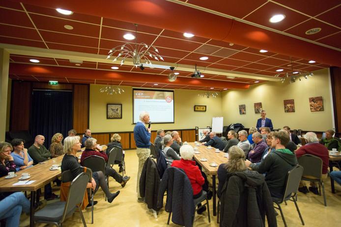 Vorige week was er in Eefde een bijeenkomst waar gesproken werd over het GGD-onderzoek dat wordt gehouden als gevolg van de onrust in het gebied. Naar verhouding zijn er in Eefde West veel mensen gestorven aan de gevolgen van kanker.