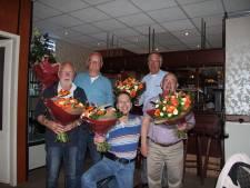 Buurtbus Oijen-Megen zet jubilarissen in het zonnetje