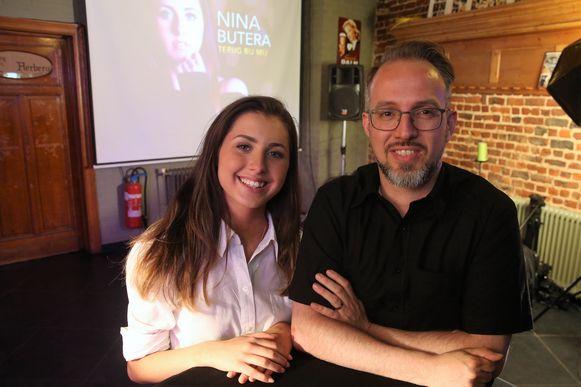 Nina Butera en Christophe Severs bij de voorstelling van Terug Bij Mij in café Den Herberg in Buizingen.