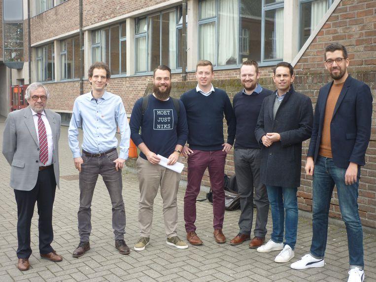 De deelnemers en de moderator van het politiek debat dat in KOSH, campus Collegestraat in Herentals, werd georganiseerd.