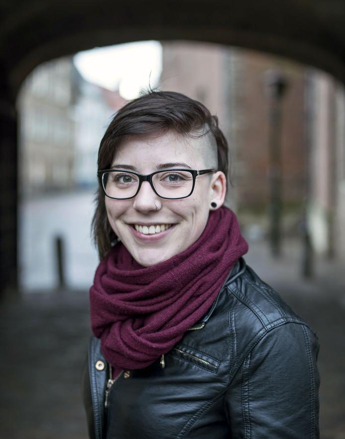 Michelle Bostelaar is intussen helemaal genezen en zet haar ervaring in om anderen te helpen. Op findyourflow.nu beschreef ze haar worsteling met haar eetstoornis.