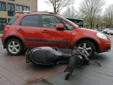 Scooterrijder raakt gewond bij botsing met auto in Doetinchem