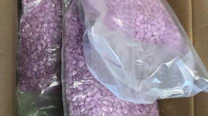 Oostenrijks echtpaar bestelt kleding uit Nederland en krijgt 25.000 xtc-pillen aan huis geleverd