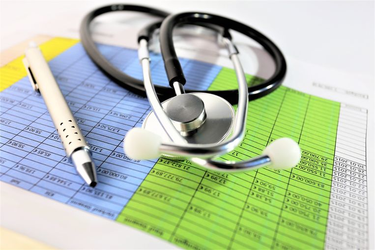Artsen bij het UWV moeten steeds meer mensen medisch keuren, soms op basis van alleen stukken. Beeld Hollandse Hoogte / EyeEm Mobile GmbH