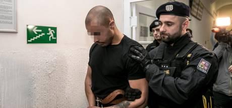 Mishandelaars ober Praag voor de rechter wegens poging tot moord