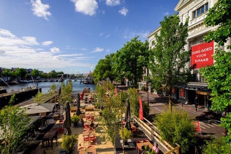 Cafe Rijsel op het terras van Carré.  Beeld Floris Heuer