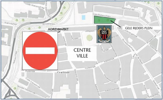 Kaartje van de flyer die supporters van OGC Nice krijgen uitgereikt als ze in Arnhem arriveren: de Korenmarkt is verboden terrein.