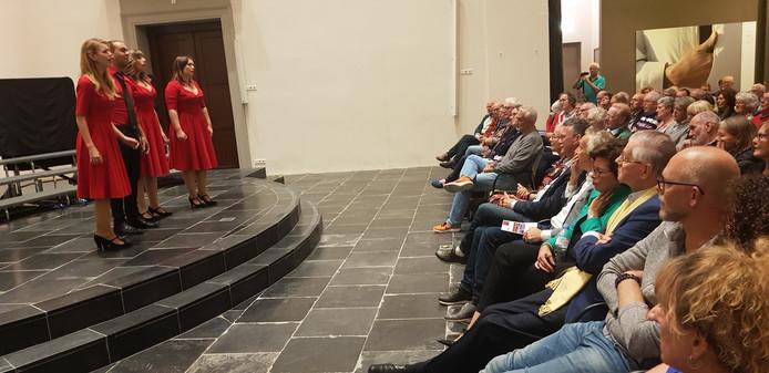 Het uit Utrecht afkomstige mixed kwartet Fyra trapte in de Grote Kerk af tijdens het Concert der Kampioenen, waarbij de presentatie in handen was van Ingrid van Rooij.