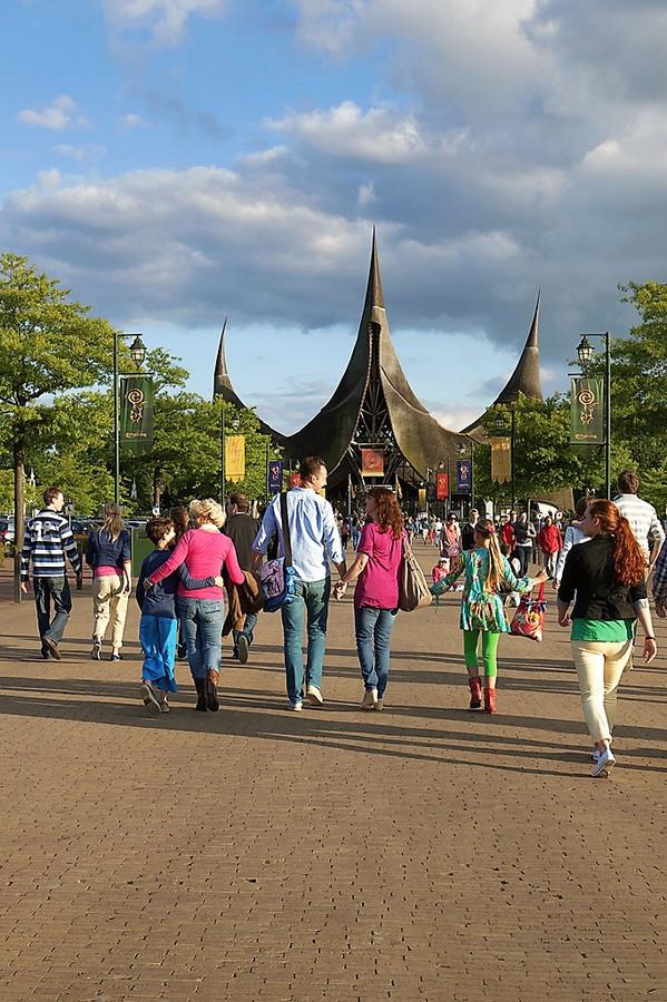 Meer dan 5 miljoen mensen brengen jaarlijks een bezoek aan de Efteling. In 2030 wil het attractiepark in Kaatsheuvel 7 miljoen gasten ontvangen.