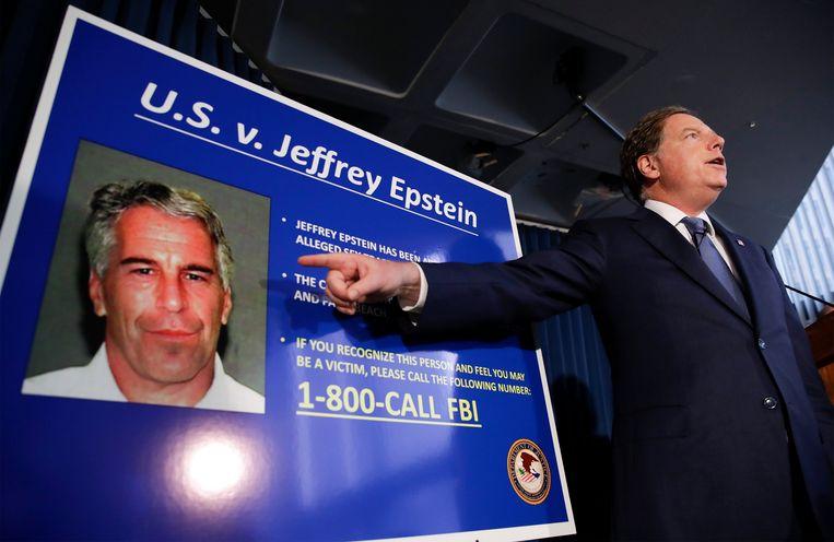 De gevallen Amerikaanse miljardair Jeffrey Epstein (66) zou zichzelf in zijn cel in New York van het leven hebben beroofd.  Beeld EPA