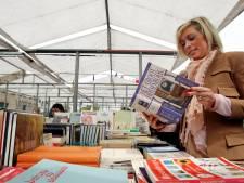 Boekenmarkt én volksspelenparcours nieuwkomers tijdens nazomer