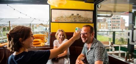 Verhoging of koorts? Dit Rotterdamse café hoopt met thermometer coronagevallen op te sporen