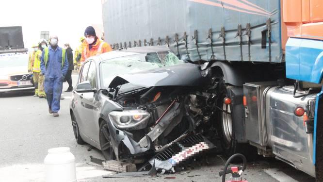 Ongeval met drie voertuigen op A19